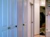 meszes fehér furnéros feluletű és tükrös ajtajú nagy szekrények